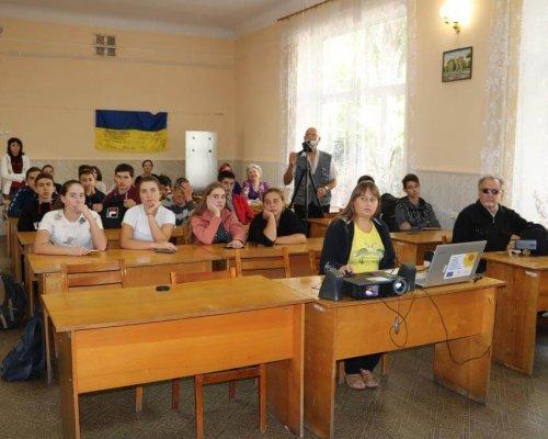 Участь учнів коледжу у заході центральної  бібліотеки ім. Т. Зеньківського